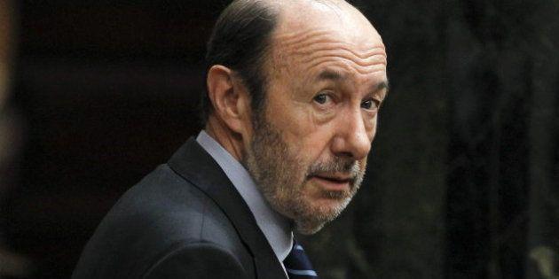 Premios de los periodistas parlamentarios: Santamaría opta al de mejor oradora, Rubalcaba al azote de...