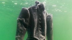 Este vestido estuvo dos meses sumergido en el Mar Muerto y el resultado es