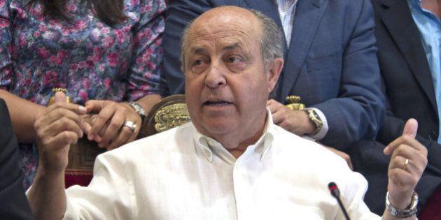El alcalde de Granada, José Torres Hurtado, en libertad tras declarar por un caso de