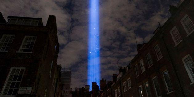 'Spectra' brilla sobre Londres para conmemorar el centenario de la I Guerra Mundial