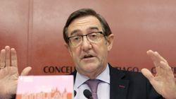Dimite el alcalde de Santiago tras perder nueve concejales por