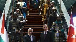 Alucina con los soldados de Erdogan (VÍDEO,