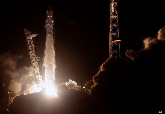 La capsula espacial no tripulada Dragon, de Space X, parte hacia la EEI y abre una nueva etapa al sector...