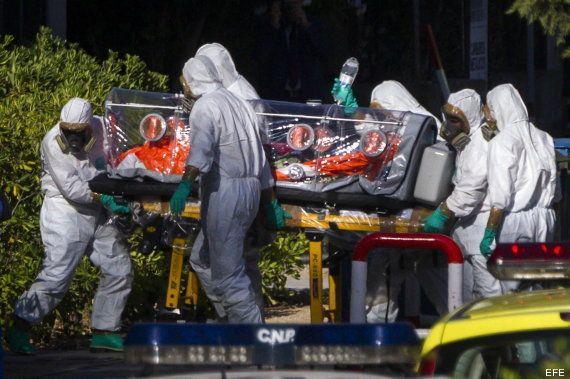 Miguel Pajares, el religioso con ébola, ingresa en el hospital Carlos III de