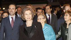 La reina Sofía, Cospedal, Botella, Fabra... y abucheos en