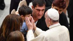 El Papa se reúne con las víctimas y familiares del atentado de