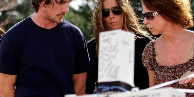 Christian Bale en Denver: vista a las víctimas del tiroteo de Aurora