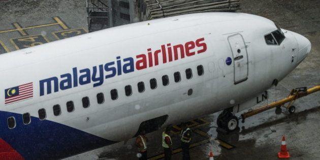Identificadas 65 víctimas del vuelo MH17 de Malaysia Airlines caído en