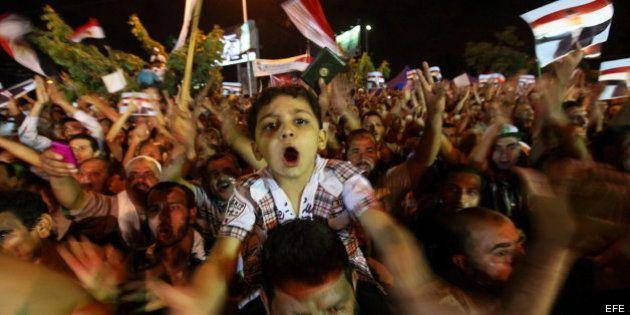 El presidente egipcio rechaza el ultimátum del Ejército para terminar con la crisis