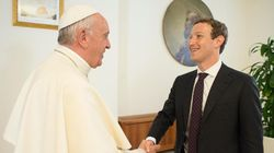 Zuckerberg entrega al papa algo que seguramente nadie le había regalado