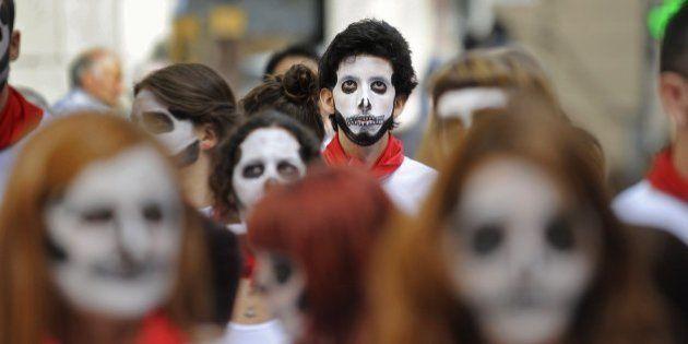 San Fermín 2014: Más de cien activistas escenifican un