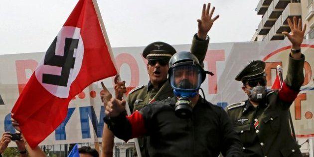 Hasta 25.000 personas protestan en Atenas contra Angela Merkel y su