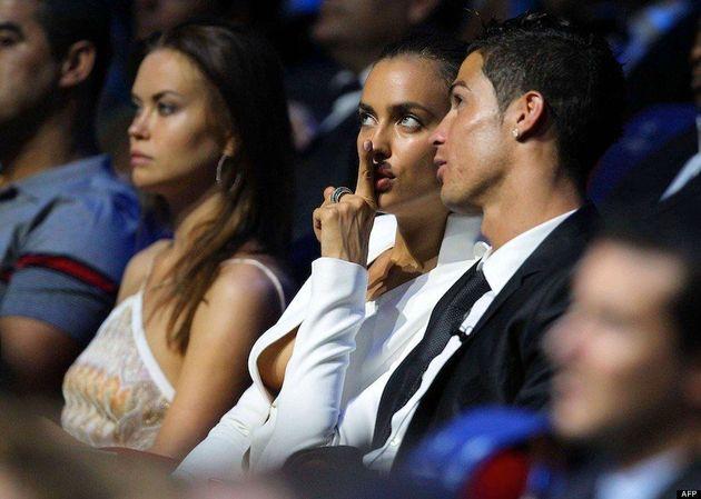 Irina Shayk: escote al límite y traje blanco para desmentir los rumores de crisis con Ronaldo