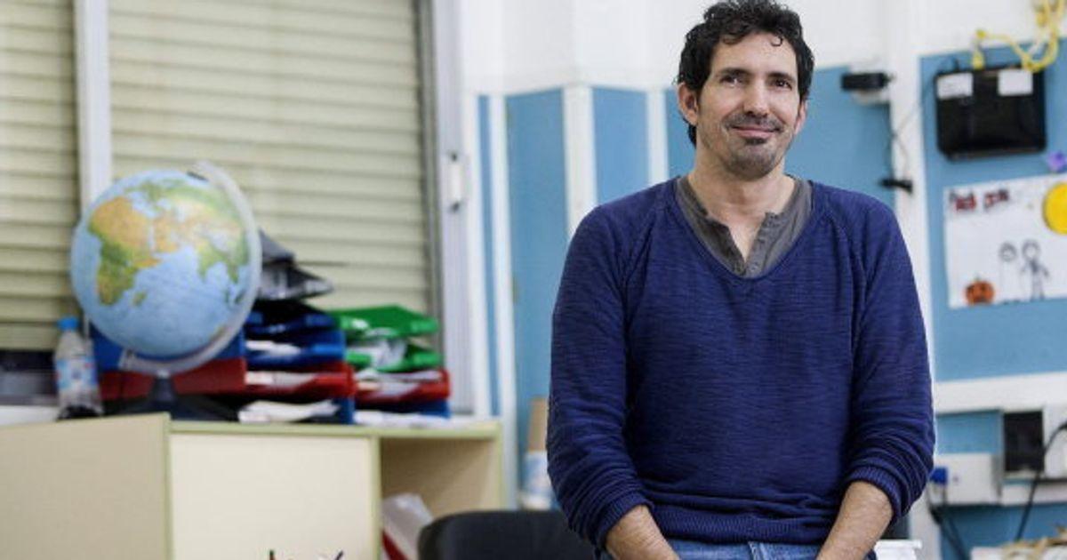 """César Bona, candidato al 'nobel' de los profesores: """"La educación es más que meter datos en la cabeza"""""""