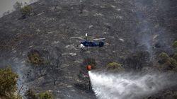 Un incendio en los Montes de Málaga obliga a desalojar a 17 personas