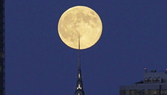De Roma a Tokio: así se vio la superluna en todo el
