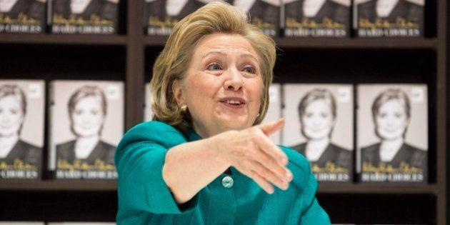 Hillary Clinton critica la política exterior de Obama en Oriente Próximo y respalda a