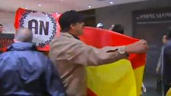 Un grupo de neonazis asalta la sede de la Generalitat en Madrid