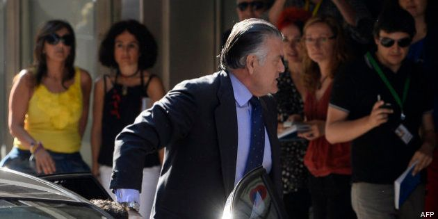 El juez Ruz ordena el bloqueo de cuentas de Bárcenas en España, Suiza y