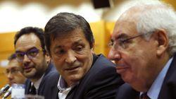 Fernández llama al PSOE a hacer un congreso de