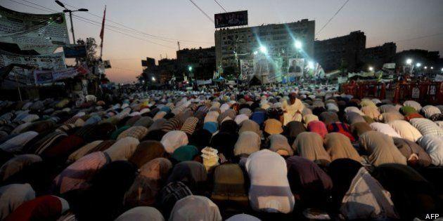 El jefe de Ejército egipcio se ve con islamistas entre esfuerzos