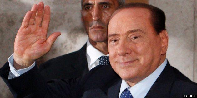 Berlusconi dice que el Gobierno debe 'seguir adelante' y que él no se