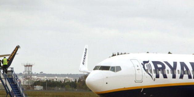 Aterrizaje forzoso de un avión de Ryanair en Barajas por despresurización de la