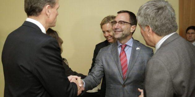 Así es James Costos, nuevo embajador de EEUU: gay, experto en marketing y entusiasta de la