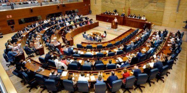 Agentes de la UCO registran la Asamblea de Madrid en busca de contratos de