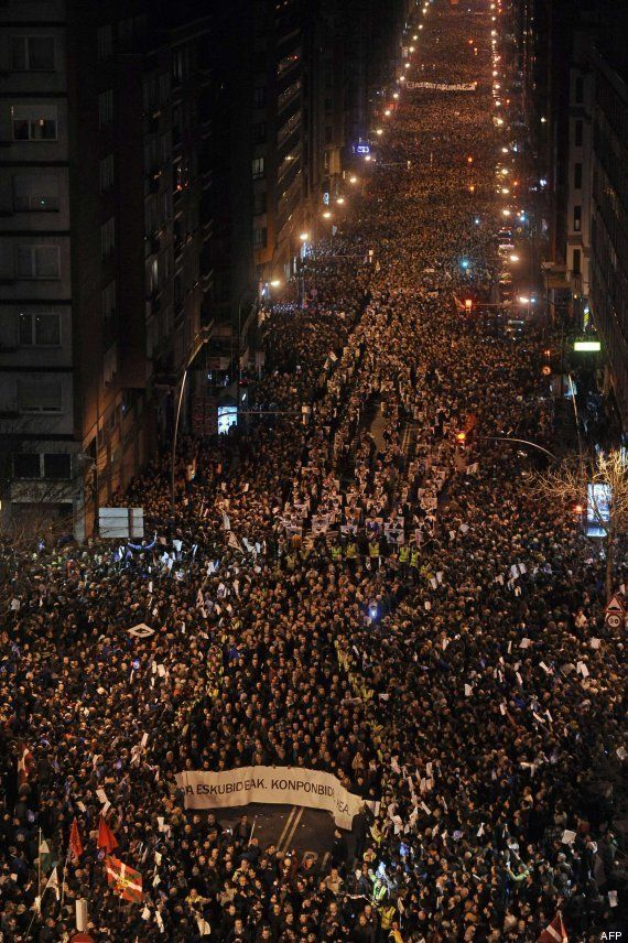 Miles de personas secundan en Bilbao la manifestación convocada por el PNV y