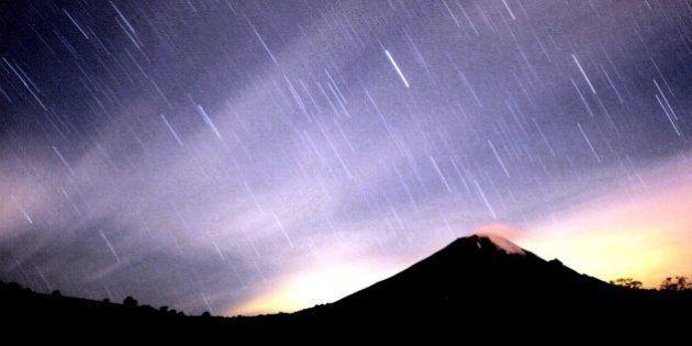 ¿Quieres observar más de 100 estrellas fugaces en una