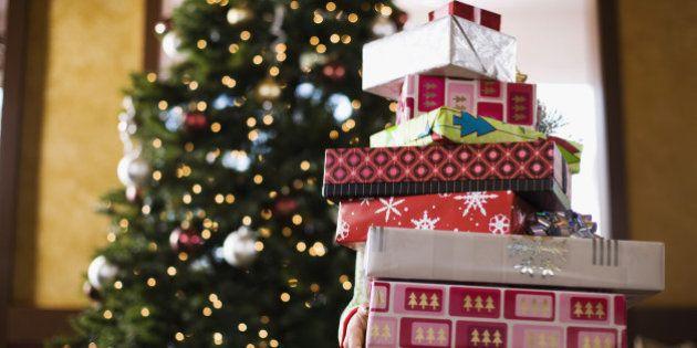 ¿Cuántos regalos debe recibir un niño en Navidad? Consejos para padres y Reyes