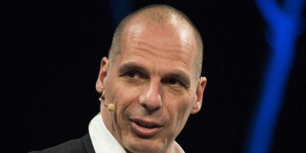 Varoufakis ve a Rajoy como