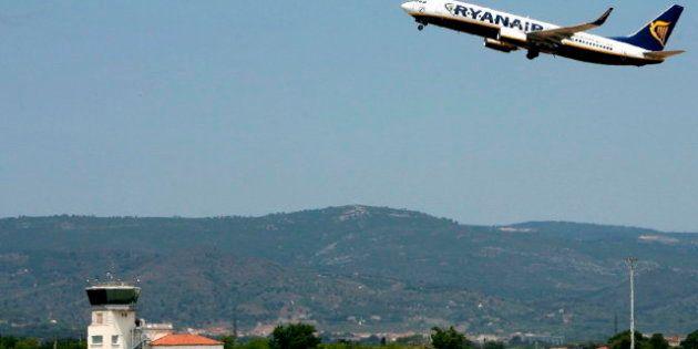 Los pasajeros de un vuelo de Ryanair llegan a Roma con picaduras de
