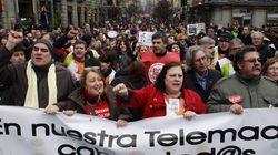 Miles de personas protestan contra el ERE de Telemadrid un año