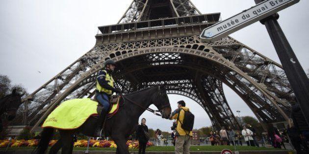 La Torre Eiffel cierra indefinidamente tras los ataques en
