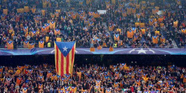 La UEFA sanciona al Barça con 150.000 euros por la exhibición de esteladas en el Camp