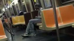 El vídeo de un mendigo sin camiseta en el metro que conmueve al
