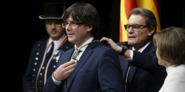 """Puigdemont se estrena: """"Estamos ahogados, humillados, desprecian nuestra identidad"""""""