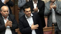 El Parlamento griego no se asusta y aprueba el referéndum frente a la