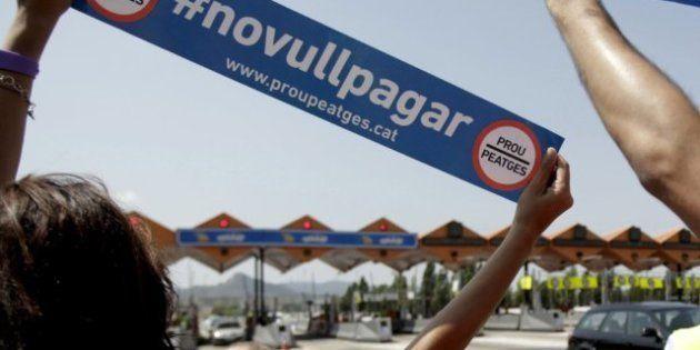 Conductores insumisos cortan la AP-7 para protestar contra los