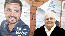 Garzón agradece el apoyo de las abuelas presentando a la