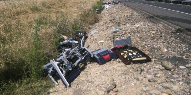 Dos fallecidos y 49 heridos en una colisión entre un autobús y un camión en