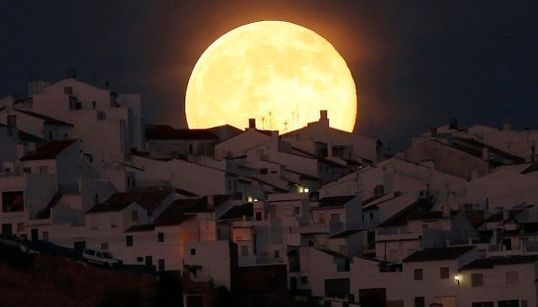 19 imágenes espectaculares de la superluna