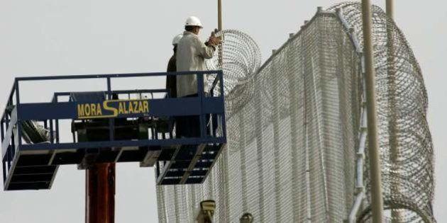 Bruselas afirma que las cuchillas de la valla de Melilla no son ilegales, pero recomienda