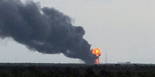 SpaceX: qué significa la explosión del Falcon 9 para la carrera