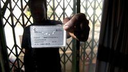 Más de 2.000 sanitarios se declaran objetores ante la eliminación de la tarjeta sanitaria para los 'sin