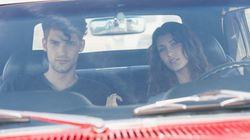 La pareja más segura al volante: la mujer conduciendo y el hombre de