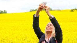 Los 'selfies', mejor desde arriba y otros trucos para hacer grandes fotos con el
