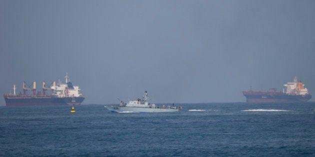 La Marina israelí aborda el barco al frente de la Flotilla de la Libertad